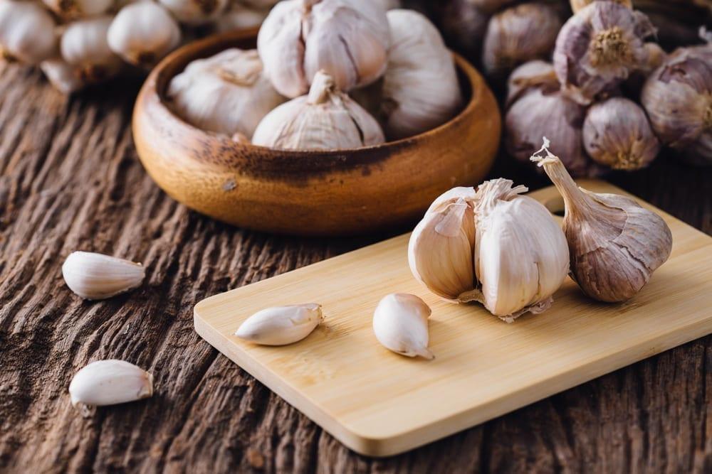 Garlic, 20 Best Fat Burning Foods